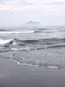 Wai-Ao Beach offers fantastic views of Guishan Island, and if you feel like taking a swim, this is your place!